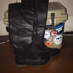 Size 9 Dirty Laundry tall boots